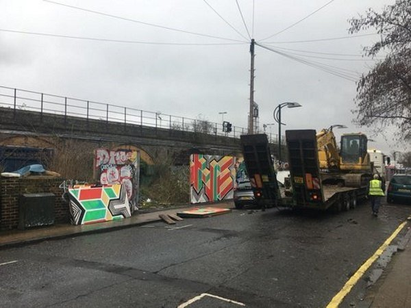 Blenheim Grove excavator arriving on site