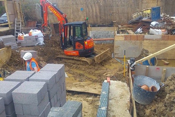 Blenheim Grove digging House 64